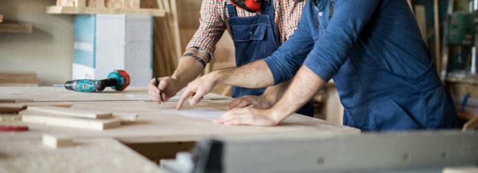 Top skills you should have if you want to earn money as a carpenter